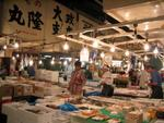 The crowded and dangerous innards of Tsukiji.